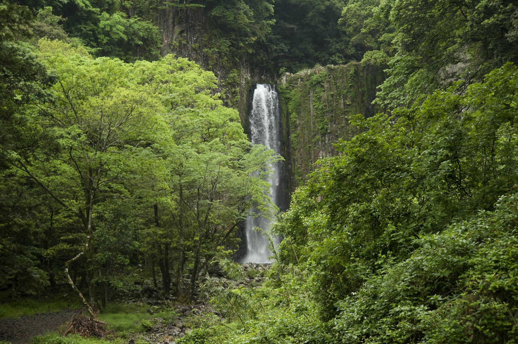 鹿目の滝(かなめのたき)