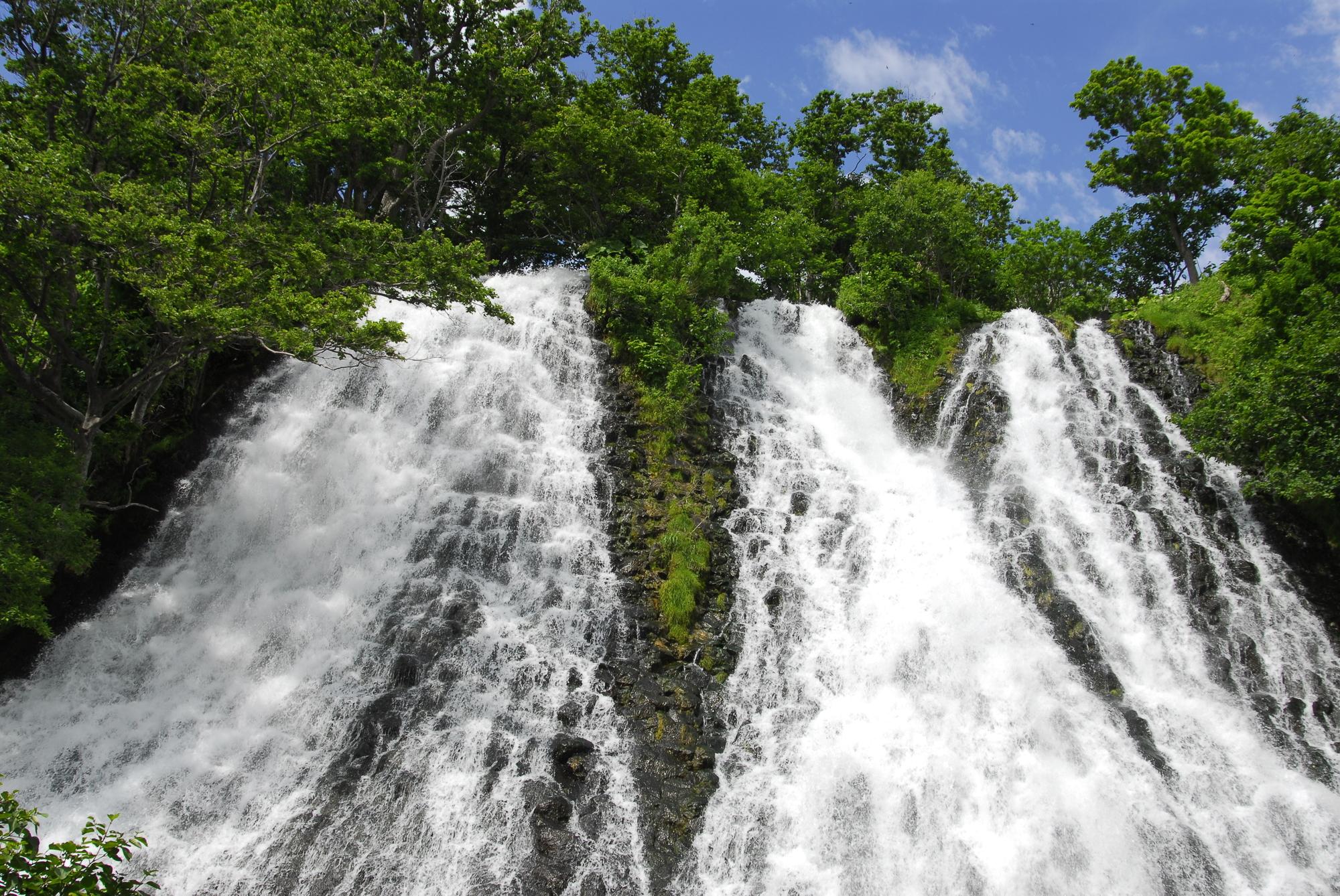 オシンコシンの滝(オシンコシンのたき)