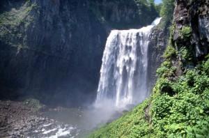 飛竜賀老の滝