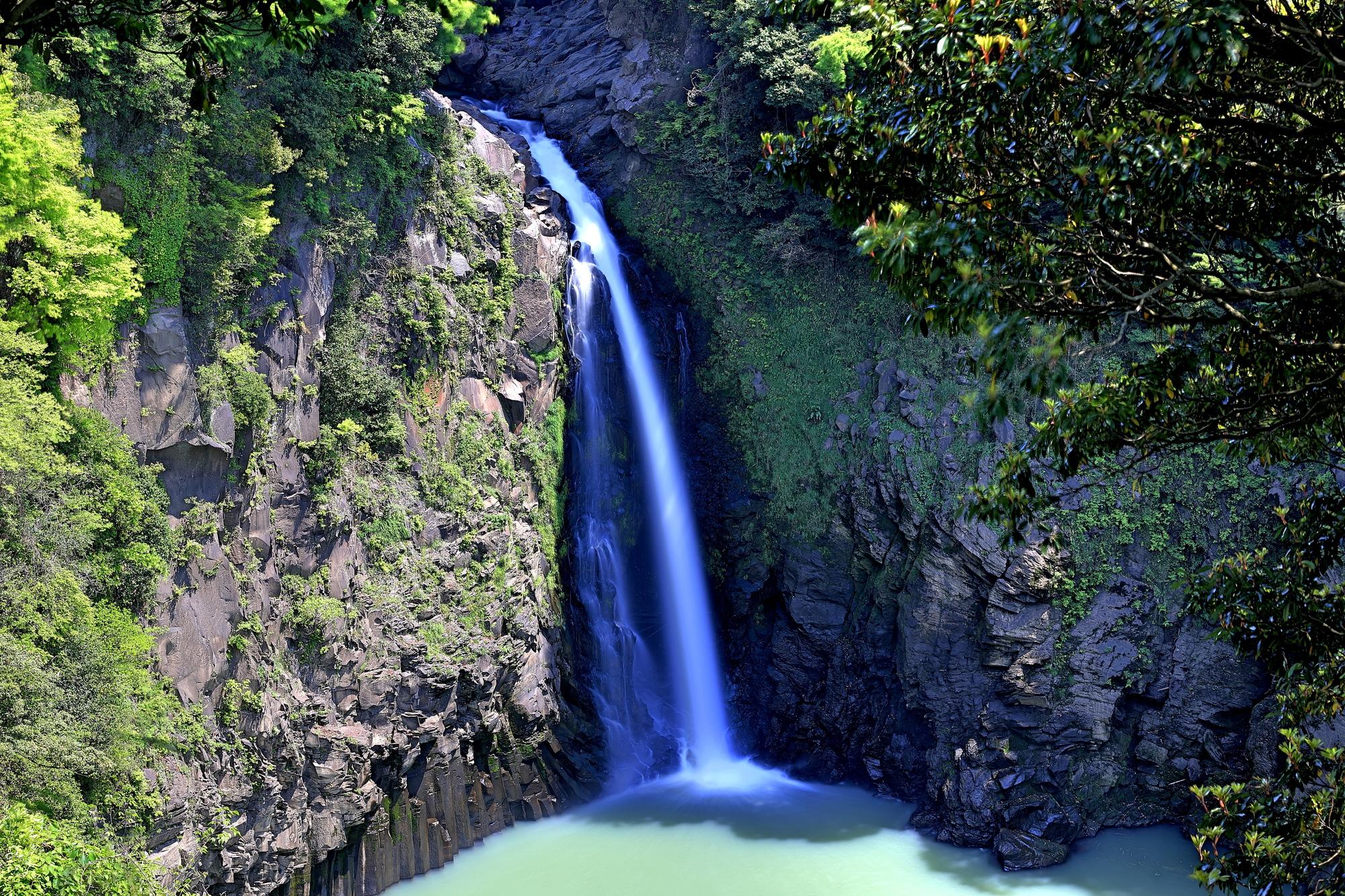 数鹿流ヶ滝(すがるがたき)