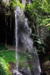 棚下の不動滝