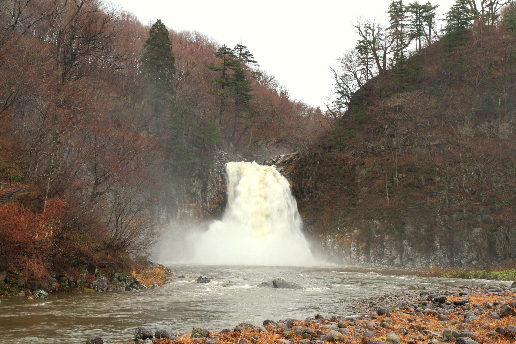 法体の滝(ほったいのたき)